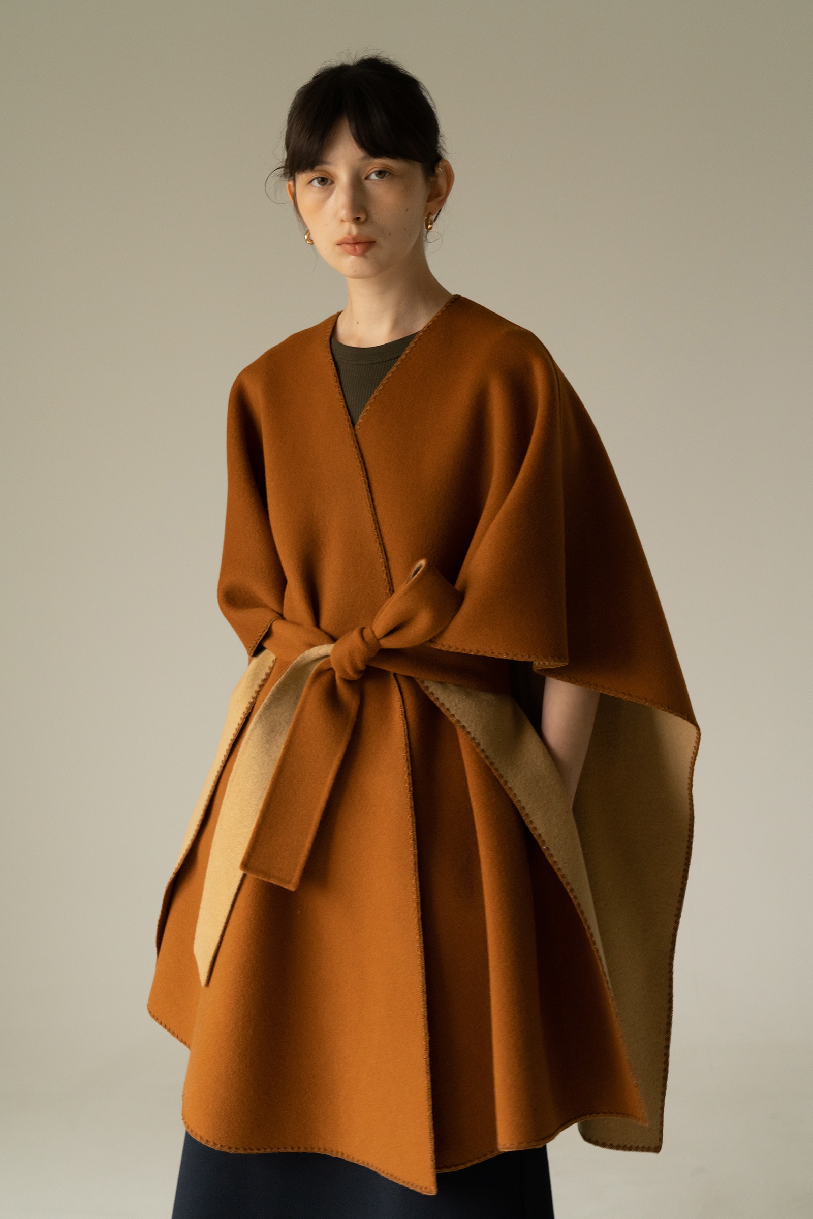 ROWE Reversible cape _Camel brick